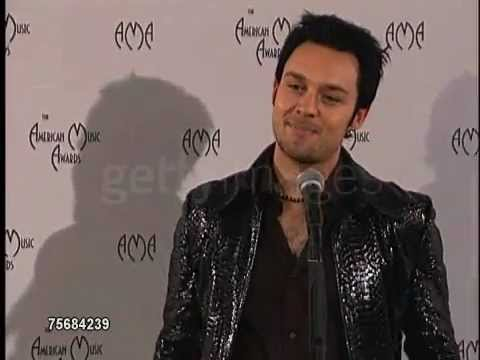 Darren Hayes At The American Music Awards 2000
