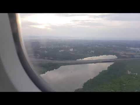 Landing colombo airport srilanka 7:15 morning  ( srilankan airline)