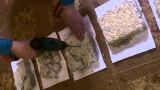 эксперимент с опилкобетоном день седьмой. Испытания на прочность.(Напомню, что в моих экспериментах нет песка и нет цемента. Связующее: известь + гипс., 2015-04-01T13:43:08.000Z)
