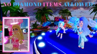 Entering the pageant with no diamond items - Sunset🌴Island Royale🏰High - Roblox