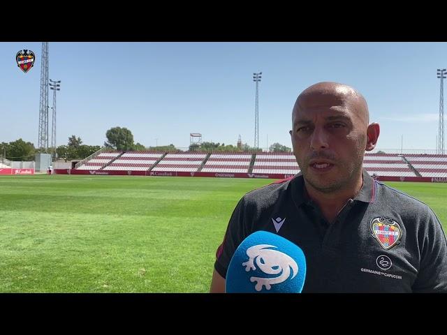 """Ángel Villacampa: """"Hemos intentado con todo conseguir los tres puntos"""""""