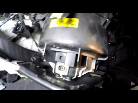2003 saab 9-3 Blower motor works intermittently - YouTube