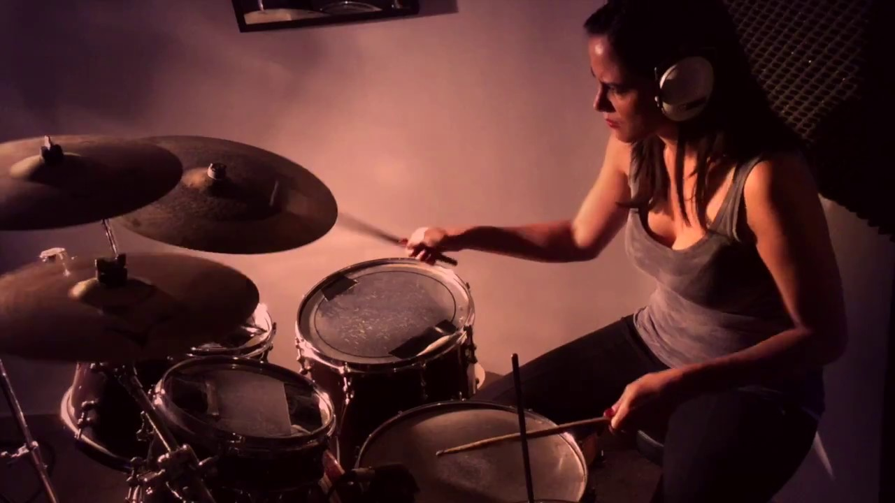 Sexy Girls And Drums