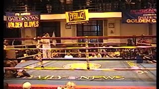 NY GOLDEN GLOVES BOXING 2004 : ERICK ISAAC / EDWARD VALDEZ : 132 lb novice . 3 rounds