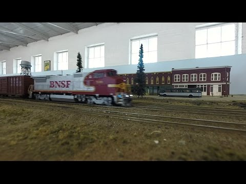Short BNSF Train - HO Scale Tennessee Central Railway Museum Nashville