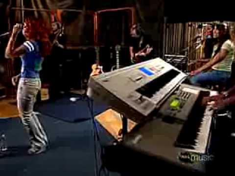 He wasn't man enough (AOL Sessions) - Toni Braxton