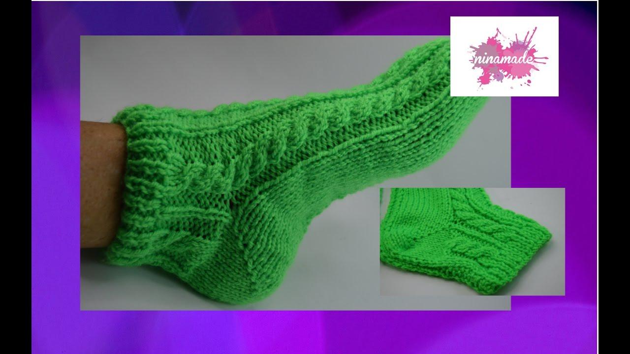 DIY. Calcetines con ochos y con dos agujas//Socks with cables and ...