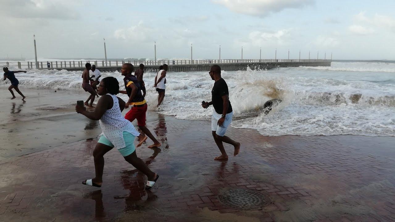 Durban Tsunami 2017 - YouTube