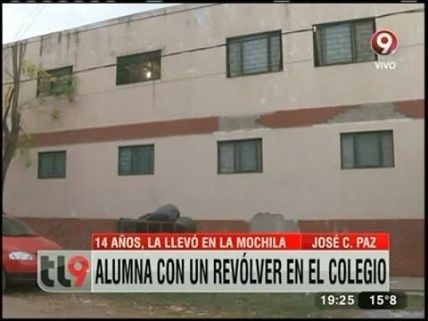 Jos C Paz Alumna Con Un Rev Lver En El Colegio Youtube
