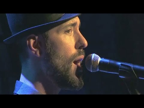 "Charlie Winston chante ""In Your Hands"""