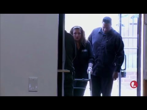Dance Moms  Abby Walks In The Studio With A Walker S6,E25