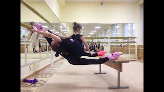Полина Комова 2008гр. Разминка по художественной гимнастике. Часть 1.(январь 2016г. Полина проводит разминку в домашних условиях., 2016-01-31T13:52:45.000Z)