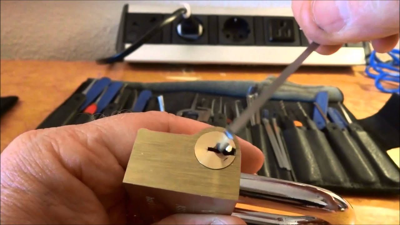 478 vachette assa abloy padlock picked open youtube. Black Bedroom Furniture Sets. Home Design Ideas