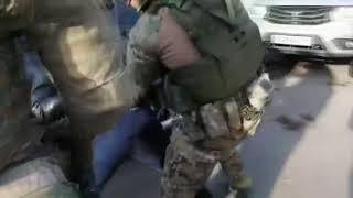 Спецназ ФСБ задержал подпольных оружейников в Красноярске