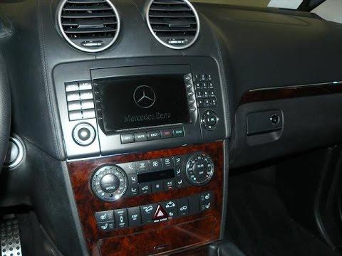 how to put a radio in a mercedec 320