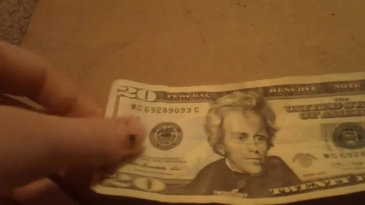 How to Make a Shirt out of a One Dollar Bill: 8 Steps | 720x1280