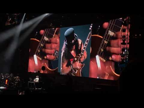 "GUNS-N-ROSES – ""SLASH GUITAR SOLO"" & ""SWEET CHILD O' MINE"" LIVE AT TD GARDEN IN BOSTON – 10/22/17"