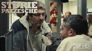 Pedro Almodóvar presenta STORIE PAZZESCHE - CLIP HD  | Una multa ingiusta