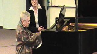 82 years old Madam Ruth Play piano on her master class.wmv