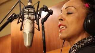 Zap Mama (Marie Daulne) - Drifting (live op FM Brussel)
