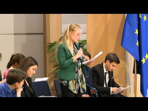 Young people come to the Parliament to discuss their future in the EU