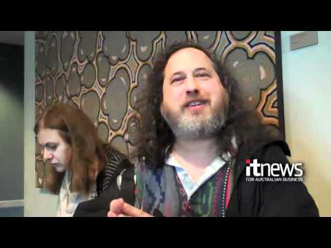 GNU founder crashes European Patent session
