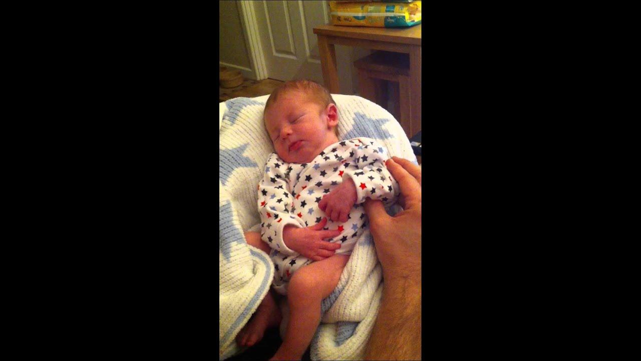 New born enjoying a bit of justin bieber Baby - YouTube