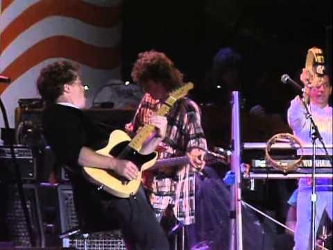 John Mellencamp - Rain On The Scarecrow (Live at Farm Aid 1985)