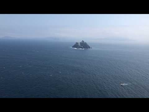 Best friends Road Trip to the Skellig Michael & Portmagee