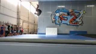 splashdiving dry session mad cologne double backflip on ground landed