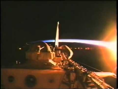 NASA STS-75 TETHER UFO HOUSTON/ASTRONAUT DIALOGUE DEBRIS FLYING IN CAMERA VIEW