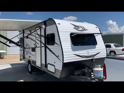 2017 WHITE JAYCO JAYFLIGHT 175RD (1UJBJ0AJ8H1) , located at 17760 Hwy 62, Morris, OK, 74445, (918) 733-4887, 35.609104, -95.877060 - Photo #0