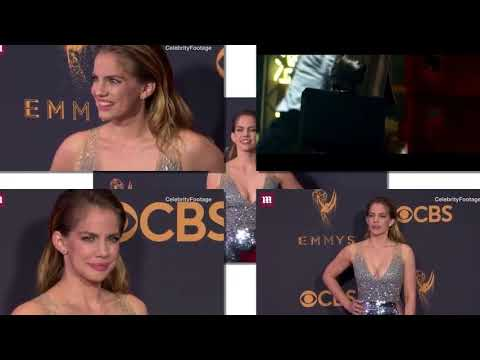 Anna Chlumsky - jamie lee curtis and anna chlumsky have 'my girl' reunion on emmys red carpet!