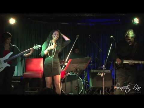Suneeta Rao - Paree Hoon Main (Paree Forever Live @ B-Flat)