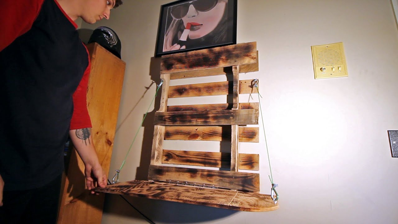 How To Make A Foldable Pallet Desk Diy Project