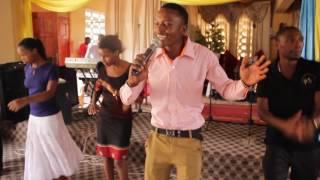 Fadhili Kibanti-hakuna linaloshindikana kwa mungu live perfomance