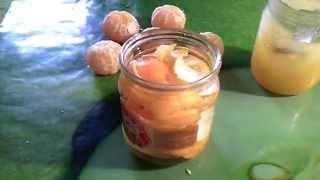 Настойка на самогоне. Шкурки мандарин, мед, самогон.