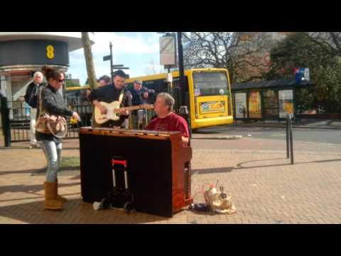 LIVE MUSIC  BOURNEMOUTH, UK 2015