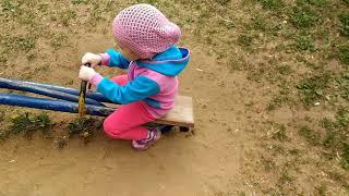 Дочечка в парке снова