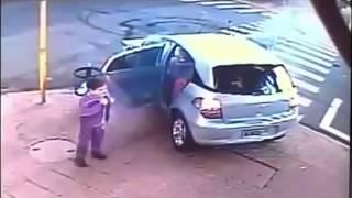 Download Video اغرب Øادث شهدها التاريخ مرعب عنيف +Car accident 18 MP3 3GP MP4