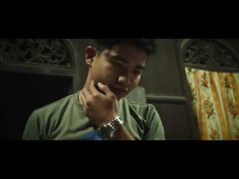 Apa remaja ini lakukan di Bulatan Jam Besar Kota Bharu!!