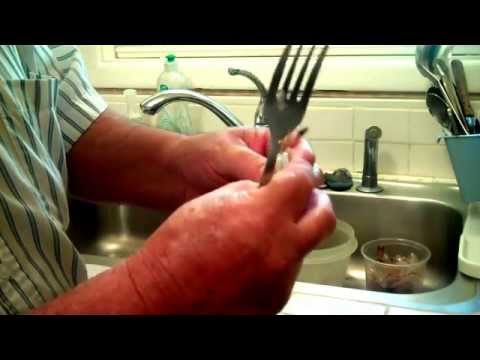 How To Clean and Devein Shrimp In One Stroke.