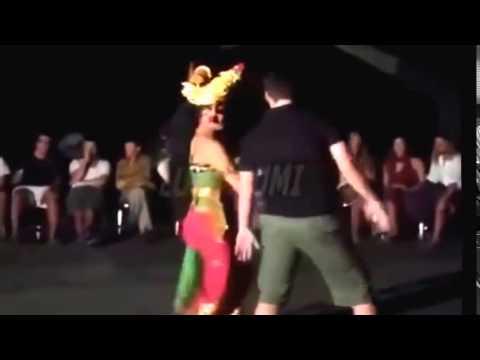 Joged Bungbung ~ Tari Tradisional Bali Fenomenal Joget ...