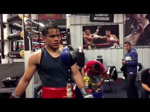 Abner Mares training Misael Rodriguez - esnews boxing