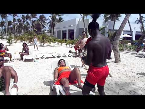 GGGB X - Dominican Republic - Stoplight Beach Party
