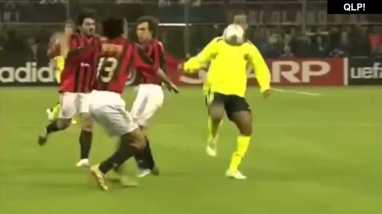 Top 10 Soccer goals in the world best plays and skills