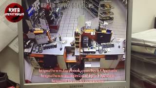 Ограбление АЗС ТНК на пр.Бандеры 25, Киев (4.10.2016)