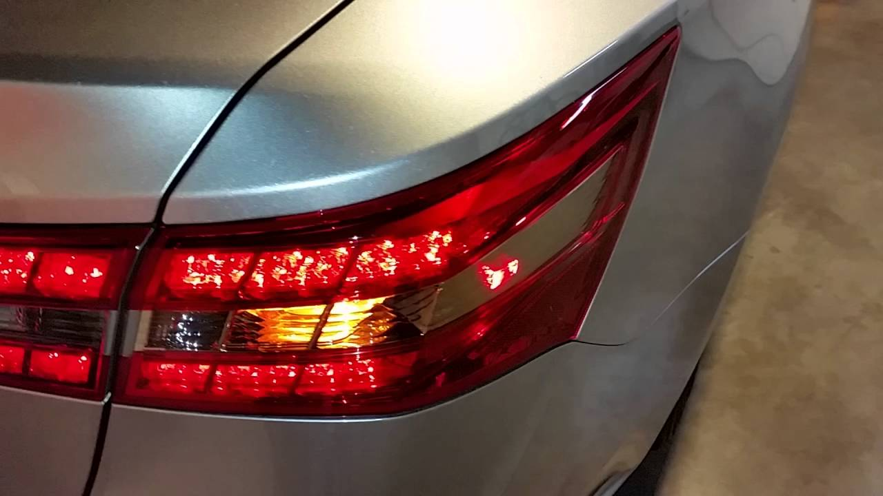 2013 2017 Toyota Avalon Testing Tail Lights After
