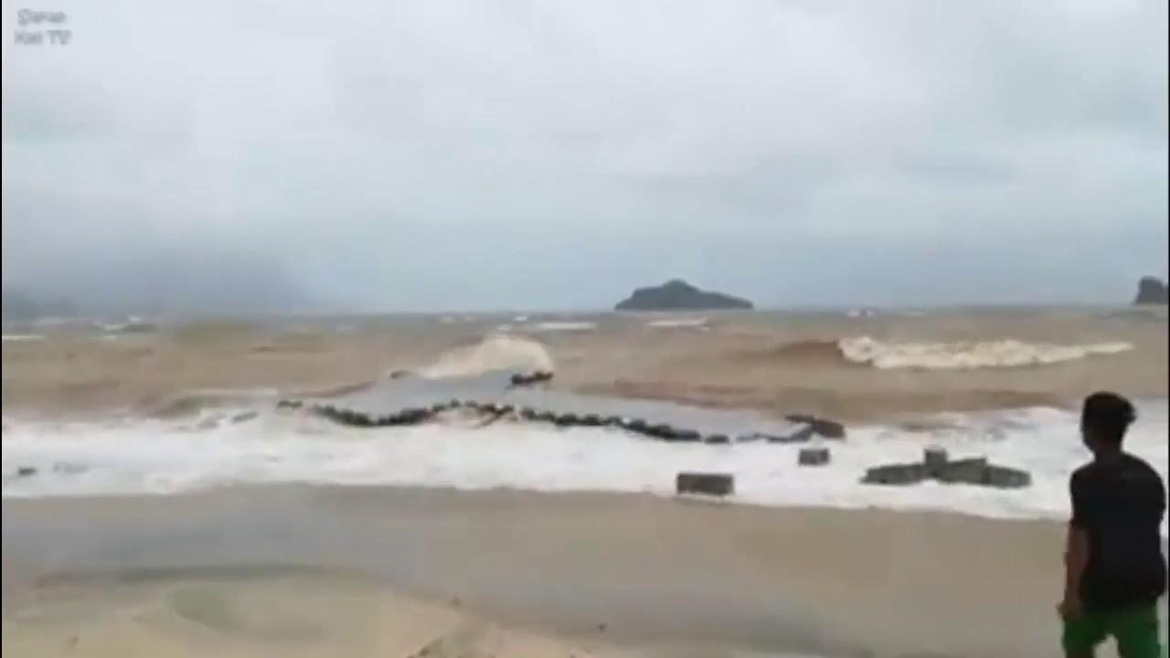 Pantai Tanjung Rhu Dibadai Ombak Semalam... Keruh Ayer