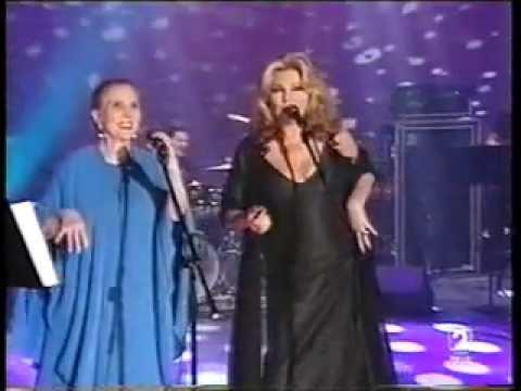 Rocio Jurado / Maria Dolores Pradera - Me ha dicho la luna